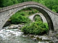 Artvin'deki Çifte Köprüler Tarihe Meydan Okuyor