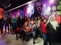 Engelliler Madame Tussauds Müzesi'ni Ziyaret Etti