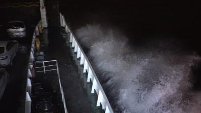 Marmara'daki Fırtına Feribot Seferlerini Vurdu