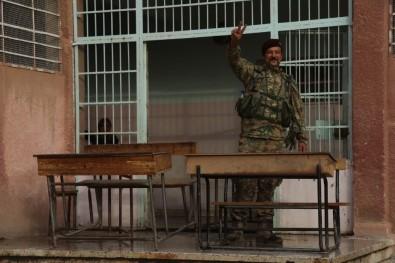 Suriye Milli Ordusu  Resulayn'de Bulunan Okulların Tamir Ve Tadilatını Yapıyor