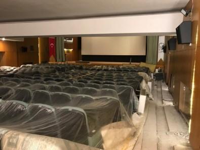 Ürgüp Belediye Sinema Salonu Yenileniyor