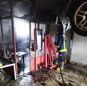 Van Oto Sanayi Sitesinde İşyeri Yangını