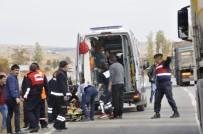 Afyonkarahisar'da Feci Kazada Yaralanan 2 Kişi Hayatını Kaybetti