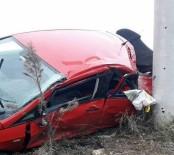 Karasu'da İki Otomobil Çarpıştı Açıklaması 6 Yaralı