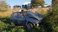 Şarampole İnen Otomobil Ağaca Çarptı Açıklaması 5 Yaralı