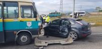 Cenazeye Giden Otomobil İle Minibüs Çarpıştı Açıklaması 4 Yaralı