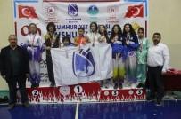 YUNUSEMRE - Cumhuriyet Kupasının Sahibi Yunusemre Belediyespor Oldu