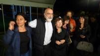 Gazeteci Ahmet Altan Silivri Cezaevi'nden Tahliye Edildi