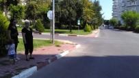 İki Aracın Çarpıştığı Kazada Kaldırımda Yürürken Hayatını Kaybetti
