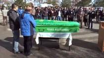 Kazada Ölen Futbolcu Son Yolculuğuna Uğurlandı