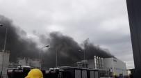 Kocaeli'de Kimya Fabrikasında Patlama Açıklaması 3 İşçi Yaralı