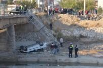 Otomobil Köprüden Dereye Uçtu Açıklaması 2 Yaralı