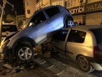 (Özel) Sürücüsünün Kontrolünden Çıkan Araç, Arkadan Çarptığı Aracın Altına Girdi