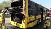 Bursa'da Halk Otobüsündeki Yangın Hasara Neden Oldu