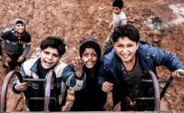 DEAŞ'ın 40 Gün Esir Tuttuğu Gazeteciden 'Sınırdaki İnsanlar' Sergisi
