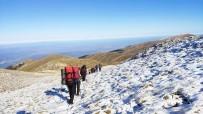 KILIMLI - İlk Karla Birlikte Uludağ'ın Zirvesine Tırmandılar
