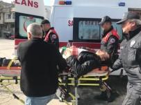 Trafik Kazası Sonrası Sopalı Bıçaklı Kavga Açıklaması 3 Yaralı