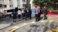 Avcılar'da Servis Aracı Minik Öğrenciyi Ezdi
