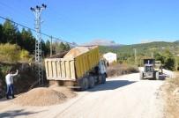 AHMET YıLMAZ - Çamlıyayla'da Heyelandan Zarar Gören Yollar Onarıldı