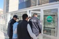 Elazığ Polisi 2 Hırsızlık Şüphelisini Suç Üstü Yakaladı