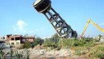 Mersin'de Tehlike Oluşturan Su Kulesi Yıkıldı