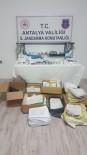 Para Karşılığı Uyuşturucu Hap Satan Ve Turistlere Sahte Rapor Düzenleyen Doktor Yakalandı