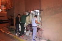 Şişli'de Kontrolden Çıkan Araç, Evin Salonuna Girdi