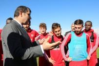 Vali Ayhan'dan Sivasspor'a Moral Ziyareti