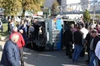 Yolcu Minibüsü Devrildi; 7 Yaralı