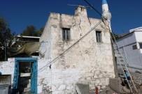 100 Yıllık Tescilli Bina Yıkıldı