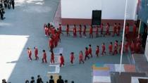 Adana'da İlkokul Öğrencilerinden 10 Kasım Koreografisi