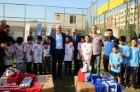 SPOR BAKANLIĞI - Akdeniz Belediyesi'nden Amatör Spor Kulüplerine Malzeme Desteği