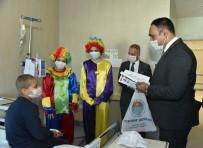 Başkan Yılmaz Maske Taktı, Lösemili Çocuklara Moral Verdi