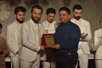 GÖKKAYA - Eskişehir Anadolu Üniversitesi 'Sui Generis Tiyatro' Gemlik Seyircisi İle Buluştu