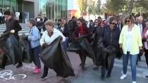 Kırşehir'de Belediye Başkanı Ve Meclis Üyeleri Caddelerde Çöp Topladı