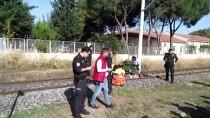 YÜK TRENİ - Manisa'da Trenin Çarptığı Kişi Öldü