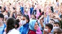 Sakarya'da Öğrenciler Lösemili Çocuklara Destek İçin Maske Taktı