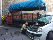 Ataşehir'de Kontrolden Çıkan Araç Kamyonete Çarptı Açıklaması 2 Yaralı
