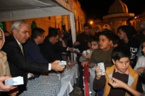 MEVLID KANDILI - Büyükşehir'den Mevlid Kandili'nde Vatandaşlara Süt İkramı