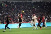 YUTO NAGATOMO - Galatasaray Moral Buldu