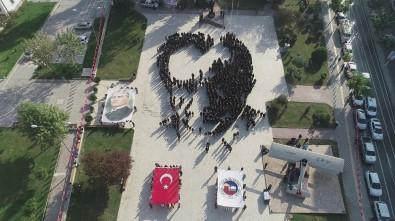 Hiç Prova Yapmadan Atatürk Portresi Çizdiler