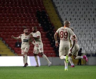 İlk Yarıyı Galatasaray 2-0 Önde Kapattı