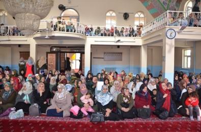 'Mevlid-İ Nebi' Programına Kadınlardan Yoğun İlgi