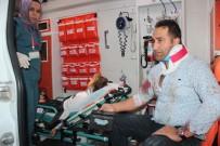 Mıcıra Giren Otomobil Şarampole Uçtu Açıklaması 4 Yaralı