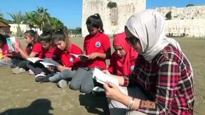 Öğrenciler Kitaplarını Kızkalesi'nde Okudu