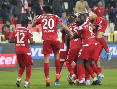 Sivasspor Maç Fazlasıyla Liderliğe Yükseldi