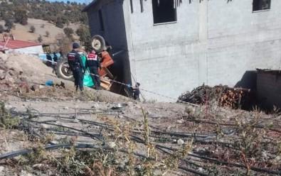Traktör Şarampole Devrildi Açıklaması 1 Ölü, 3 Yaralı