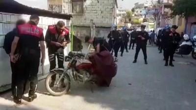 Uyuşturucu Götürdüğü Adreste Polislere Yakalandı