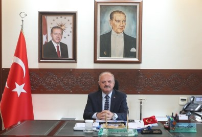 Vali Özdemir Çakacak'ın '10 Kasım Atatürk'ü Anma Günü' Mesajı