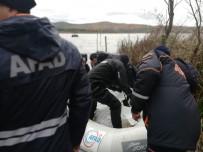 BALIK TUTMAK - Sandallarının Alabora Olması Sonucu Göle Düşen Gencin Cesedine Ulaşıldı